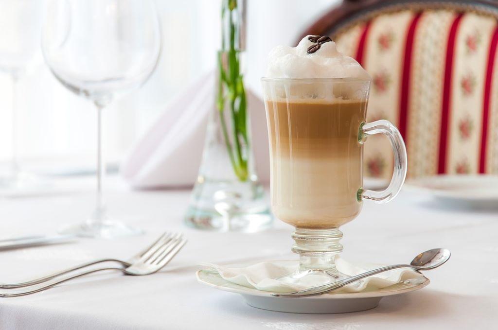 Latte Macchiato mit Schaum