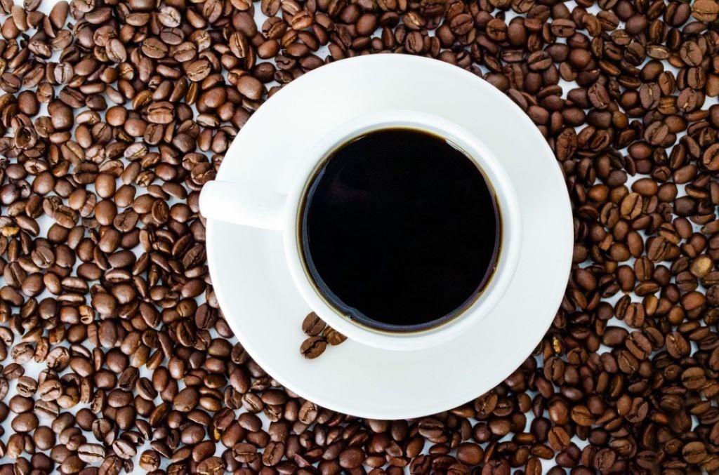 Koffeinfreier Kaffee in einer Tasse